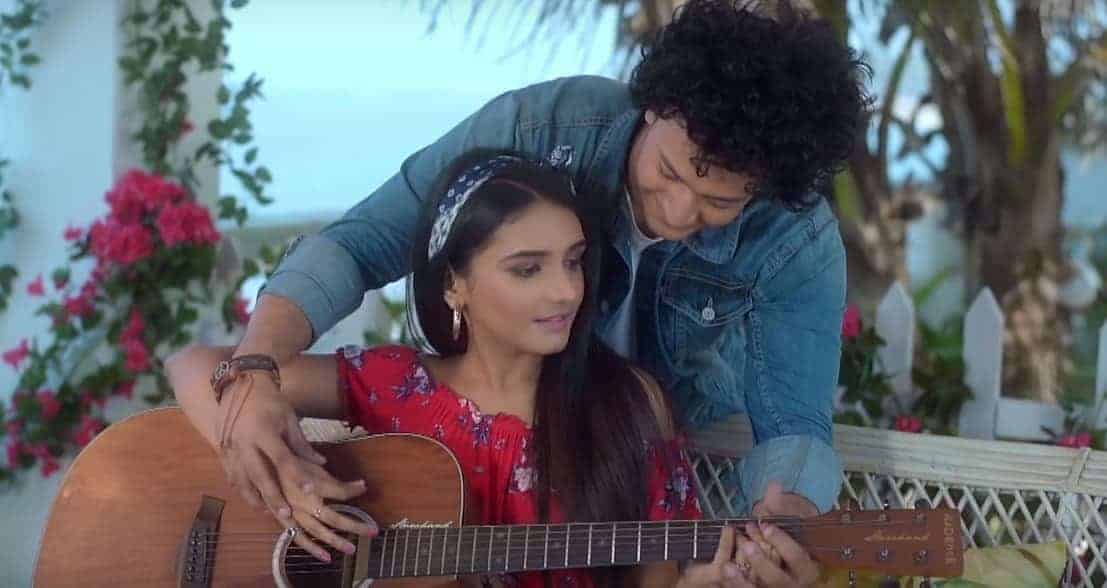 Haathon Mein Haath Lyrics | Nikhil Chanoria and Nitish Chanoria